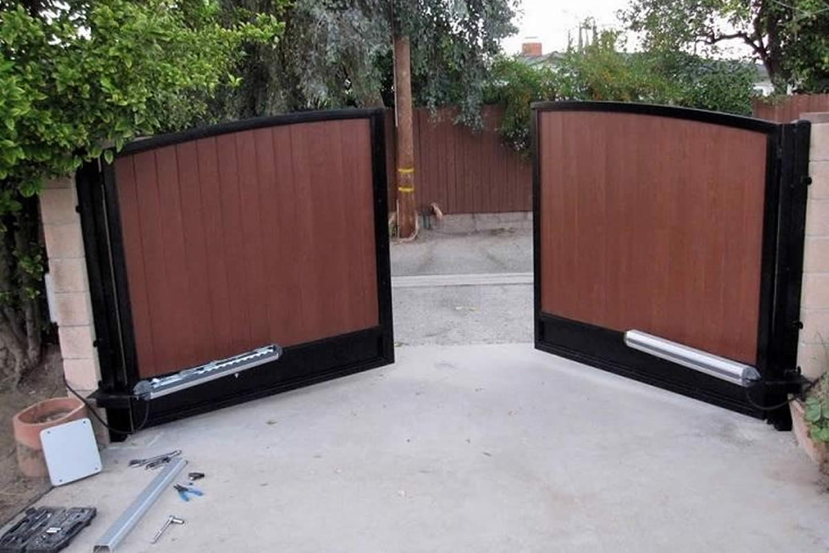 Are You Thinking About Using an Electric Gate for Your Home?