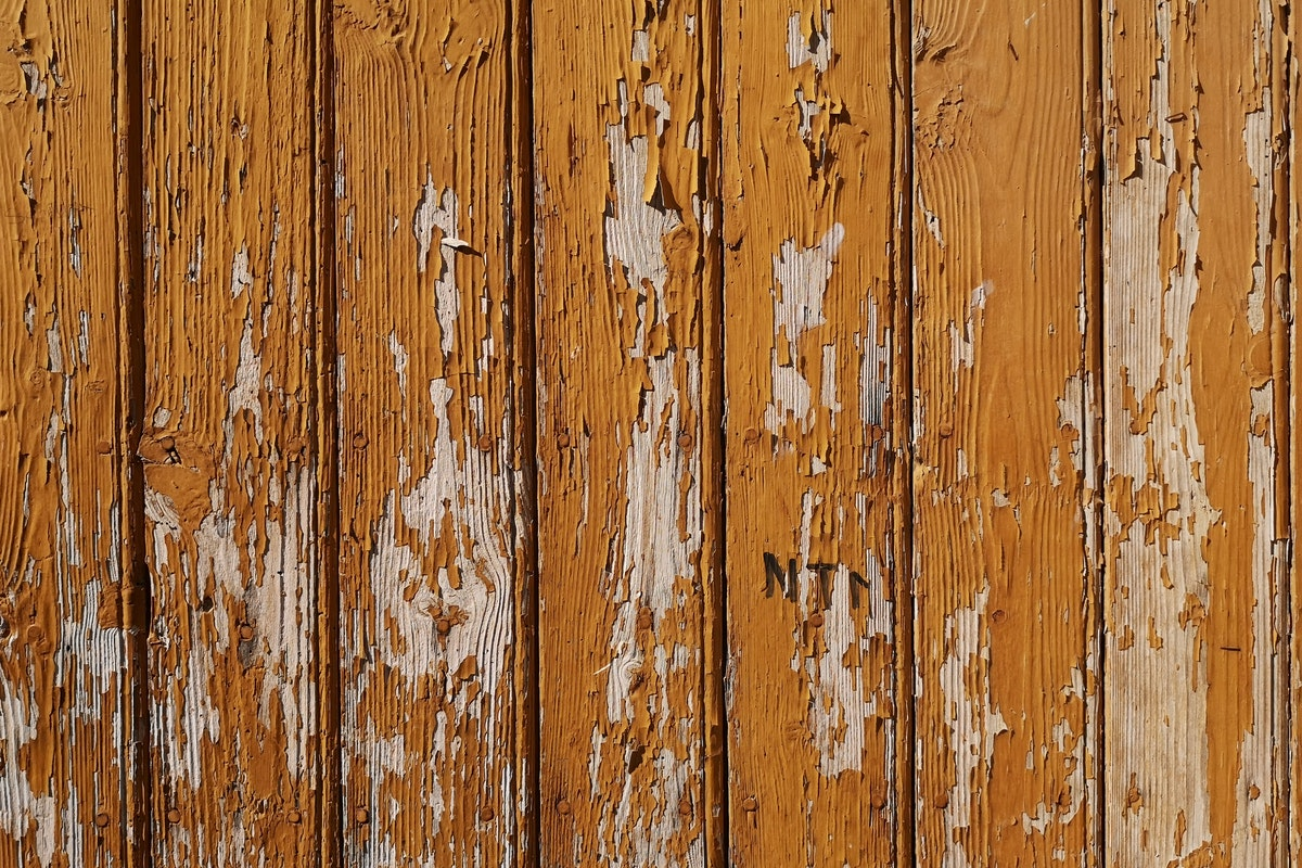 Five Signs Your Fence Needs to Be Repaired