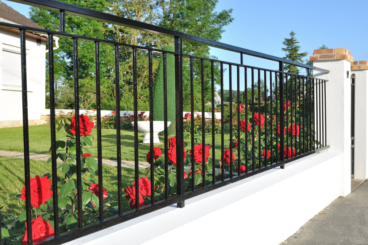 Four Benefits of Installing an Ornamental Fence