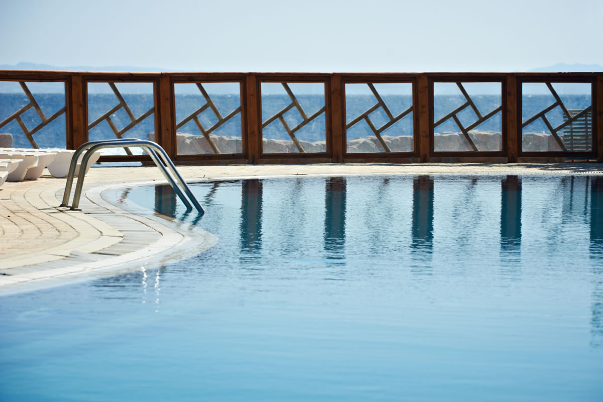 Four Reasons You Need a Pool Fence This Year